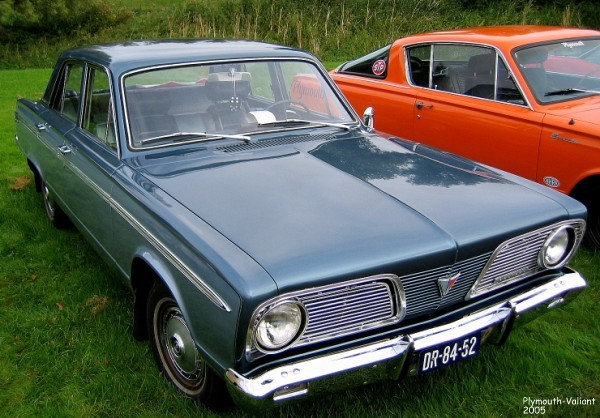 plymouth-valiant