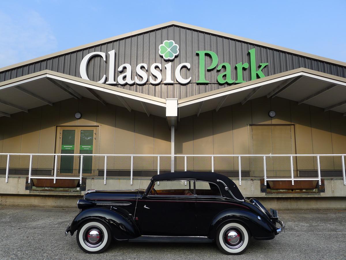 002_Dutch_Chrysler_USA_Classic_Cars_Meeting_Classic_Park_@_Boxtel_(bc)