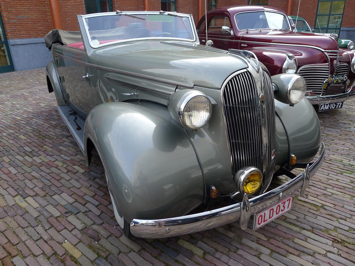 dutch-chrysler-classic-cars-meeting-2011_028