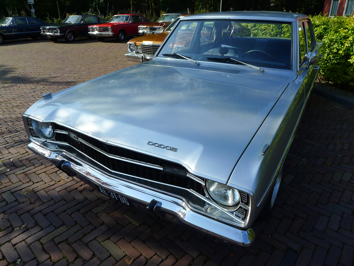 dutch-chrysler-classic-cars-meeting-2011_118