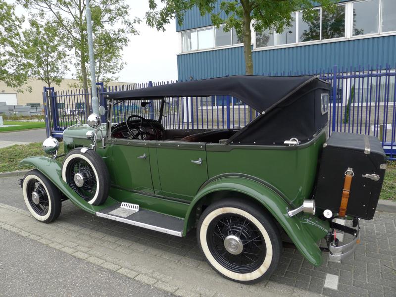 dutch-chrysler-usa-classic-cars-meeting-2012-011