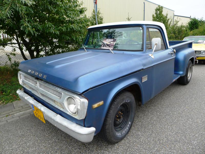 dutch-chrysler-usa-classic-cars-meeting-2012-033
