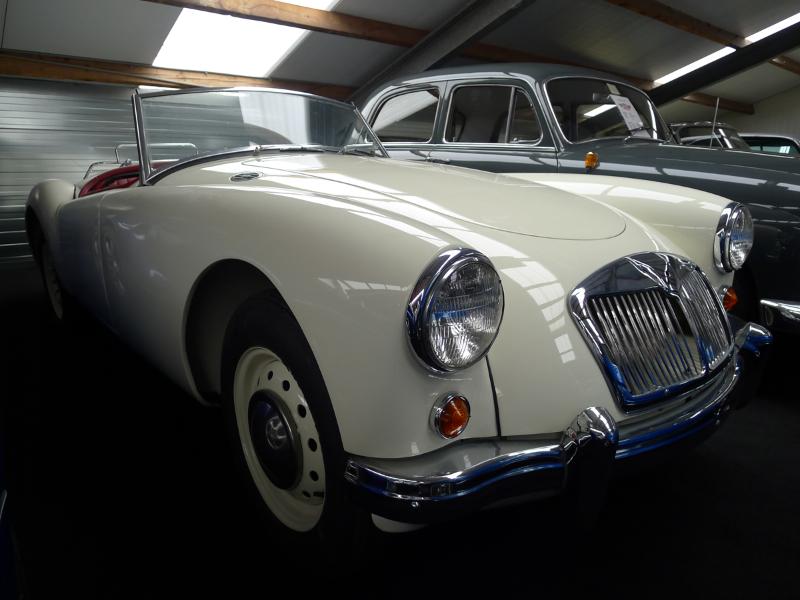 dutch-chrysler-usa-classic-cars-meeting-2012-179