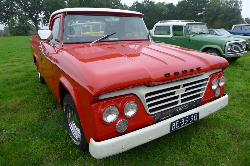 184_dutch_chrysler_usa_classic_cars_meeting_2013__amersfoort_bc