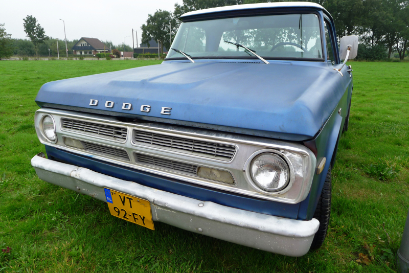 190_dutch_chrysler_usa_classic_cars_meeting_2013__amersfoort_bc