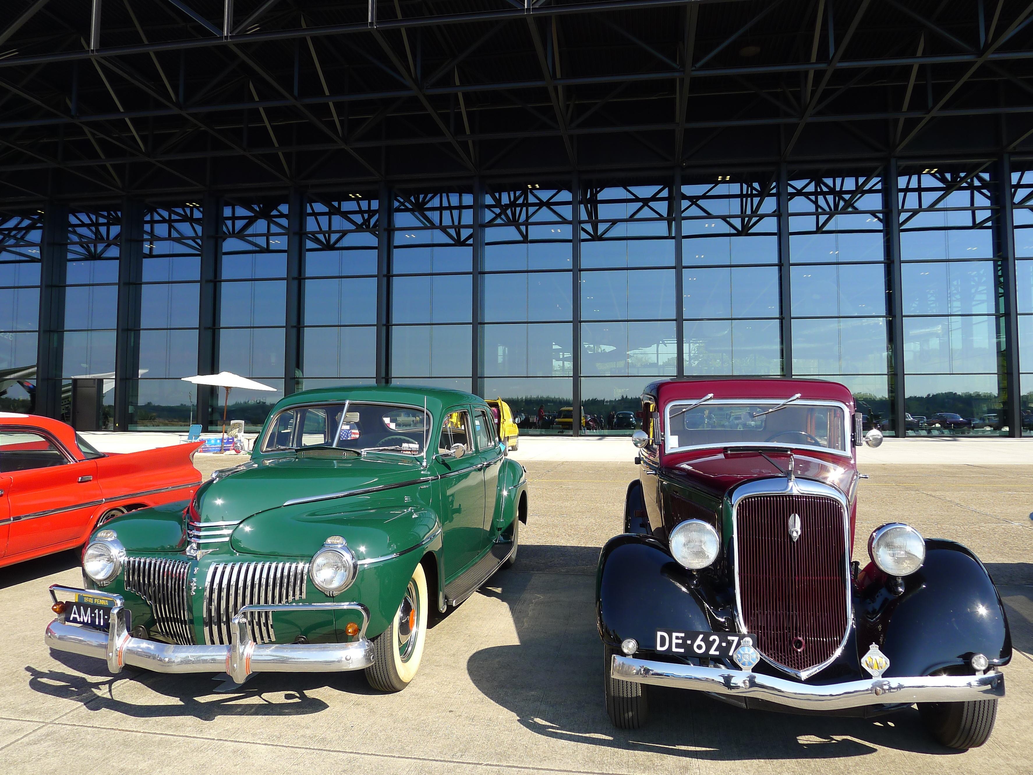 050_Nederland_Soesterberg_Dutch_Chrysler_USA_Classic_Car_Meeting_2016_@_Nationaal_militair_museum